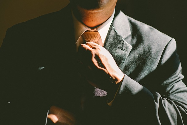 podnikatel s kravatou